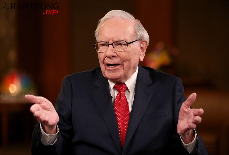 Warren Buffett là một trong những tỷ phú giàu nhất thế giới có quý tướng mặt chữ điền
